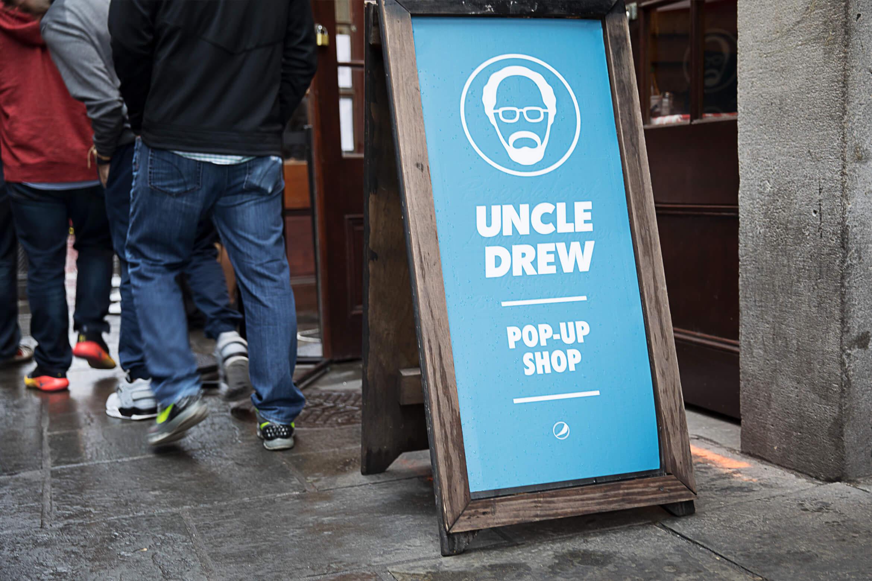 UncleDrew_1170x780x2_02_SandwichBoard